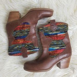 Bandolino BDZamen southwestern ankle booties
